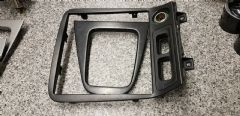 MAZDA MX5 EUNOS (MK2 / 2.5 1998 - 05 ) BLACK RADIO SURROUND / CONSOLE TRIM